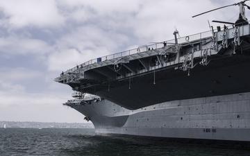 SD USS Midway 014-1.jpg