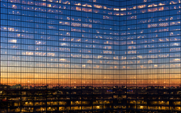 Hancock_Tower_mirror_Sunset_s.jpg