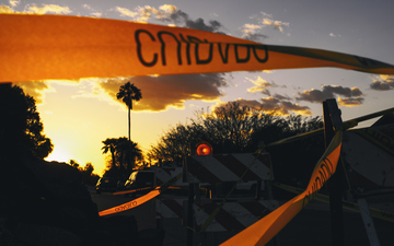 Tempe_sunset_barricade_tape_cuidado.jpg