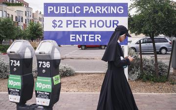 Public_Parking_Nun_Passing_Soul_02.jpg