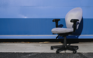 Monday_Objects_Office_Chair_Blue_Container.jpg