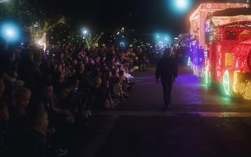 Fantasy_of_Lights_Tempe_Light_Parade_2018_Train_01.jpg
