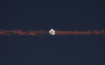 Moon_Contrail_Sunset_Color_1b.jpg