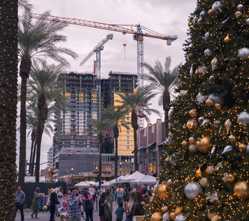 Tempe_Festival_of_the_Arts_Winter_2019_Christmas_Tree_Construction_Cranes_b.jpg